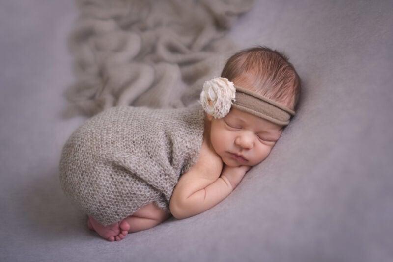 neonato in foto artistica